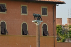 Roma_farkasa_Pisa_2012_03_resize
